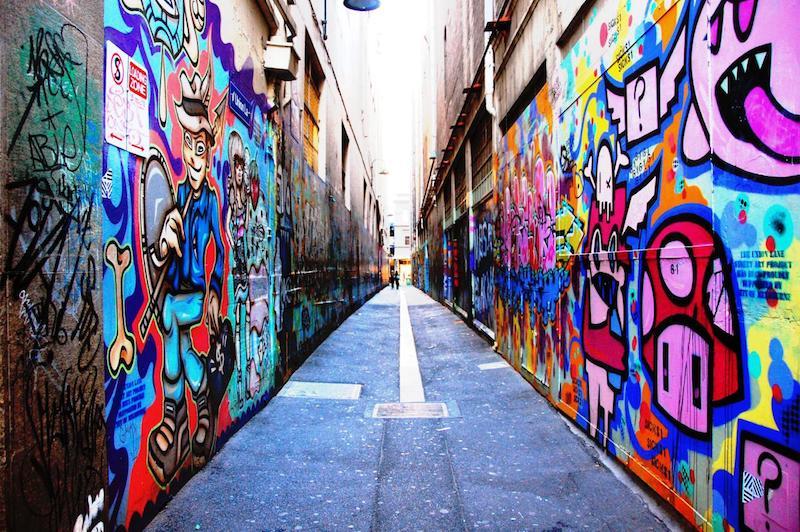 路地裏のストリートアート通り