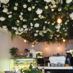 天井をお花が埋め尽くす!サウスメルボルンのお洒落すぎる小さな空間Ada Grace。