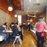 入ってみるまでわからない!ブランズウィックのFoxtrot Charlieは奥に空間が広がるカフェ。名前の由来が面白い!
