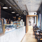 ヨーロピアンな店内で焼き菓子や朝食を楽しもう!cafe de la villeは全てがインスタ映えする名店。