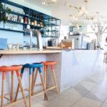 マイアミの建物から着想を得た色使い!?Captain greyは可愛いが詰まったデザイナーズカフェ。
